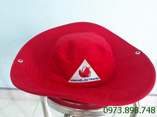 May nón tai bèo tặng khách du lịch